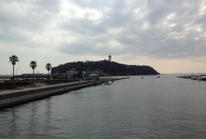 橋の上からの江ノ島