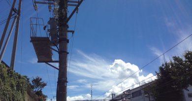 御代田駅からの見上げた夏の空